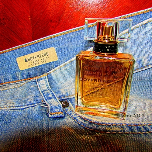 floral woody musk why do people buy and wear those things