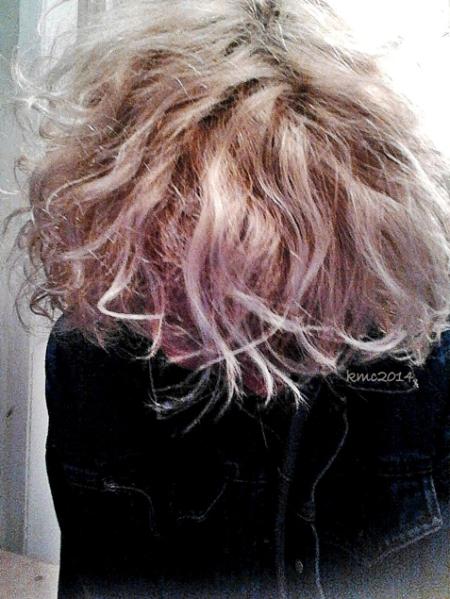 Sorceress Sea Urchin Sprayed Hair.